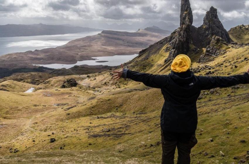 Cercasi 'turisti per la vita' pronti a trasferirsi in un'isola remota tra cervi e capre