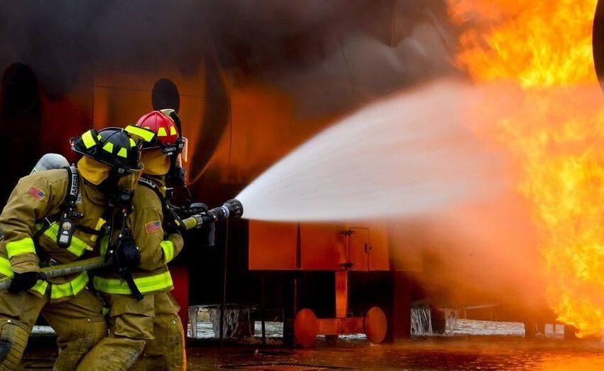 Genova, donna dà fuoco alla casa del suo ex per vendetta, evacuate 52 famiglie
