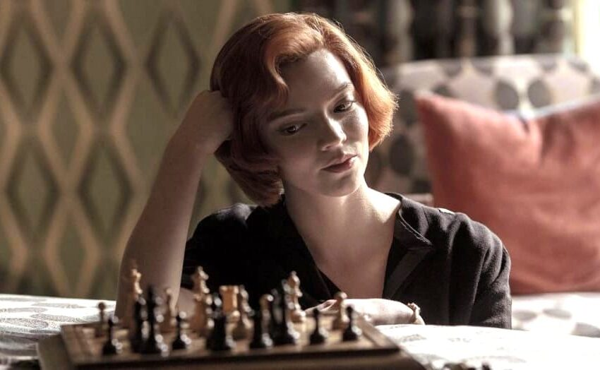 """""""La Regina degli Scacchi"""" è la serie Netflix del momento: tutta la genialità di una donna"""