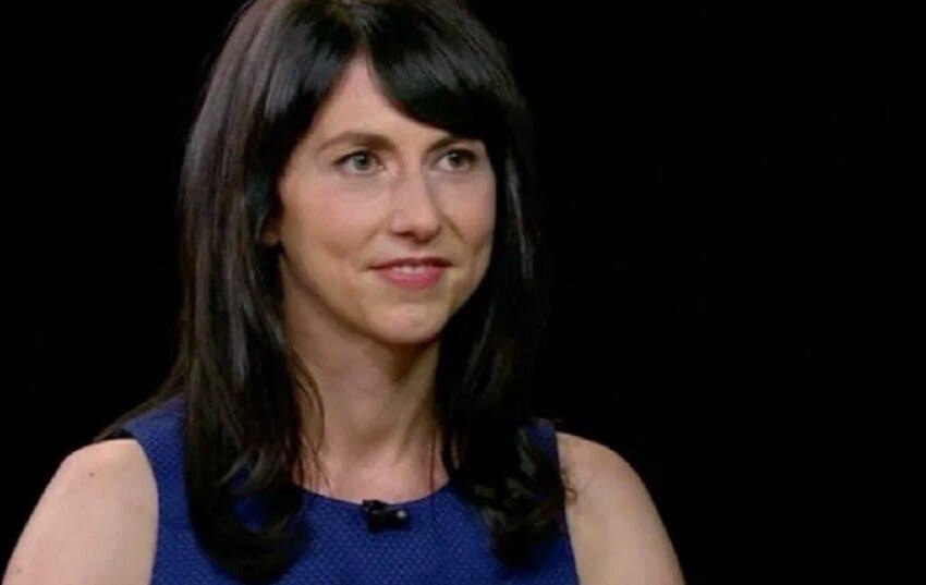 MacKenzie Scott, ex moglie di Jeff Bezos, dona 4,2 miliardi di dollari in beneficienza