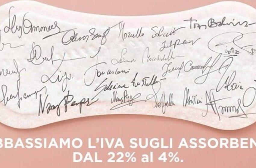 Coop Italia pensa alle donne: taglio Iva dal 22 al 4% sugli assorbenti