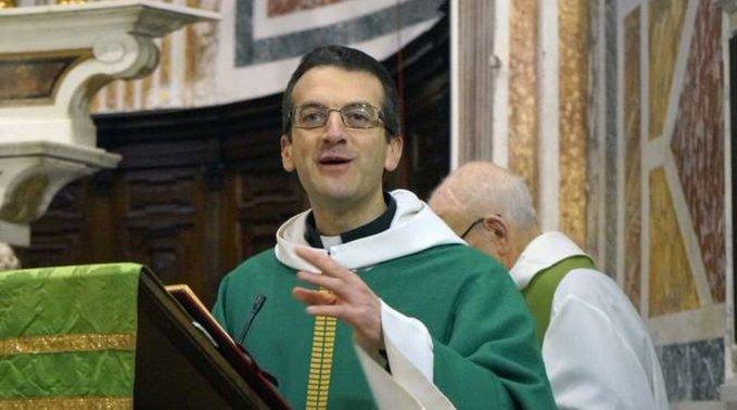 """Don Mignani: """"Se non posso benedire omosessuali, non benedico neanche le palme"""""""