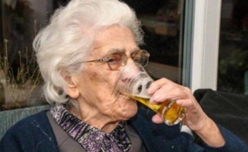"""Robertine, la 97enne che ogni giorno beve 22 birre per """"stare in forma"""""""