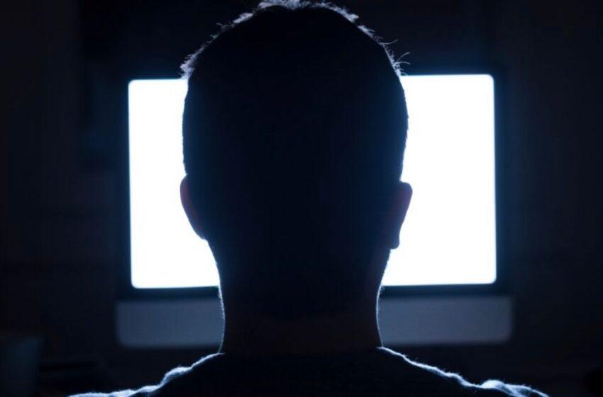 Assolda sicario sul dark web per sfregiare con l'acido l'ex compagna: arrestato 40enne