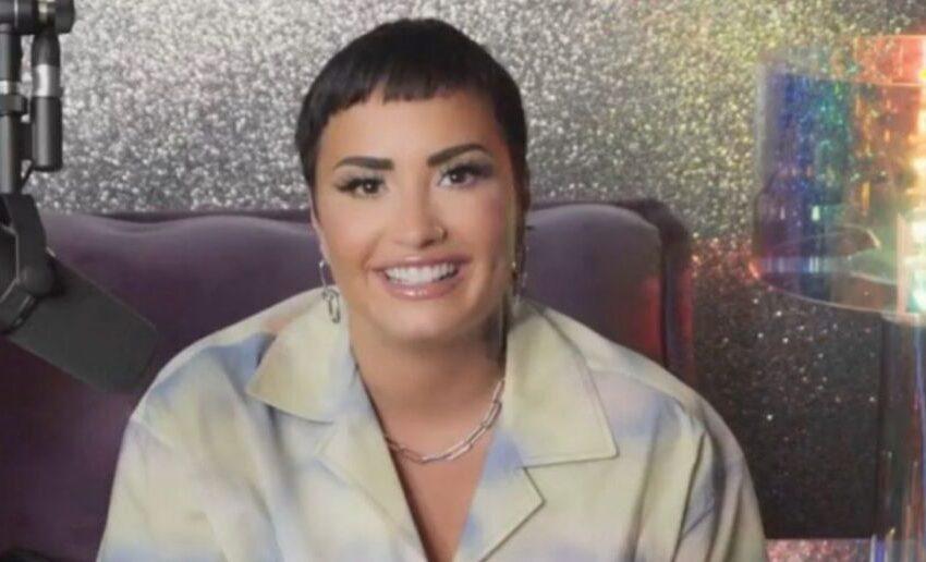"""Demi Lovato fa coming out: """"Sono una persona non binaria. Datemi del loro"""""""