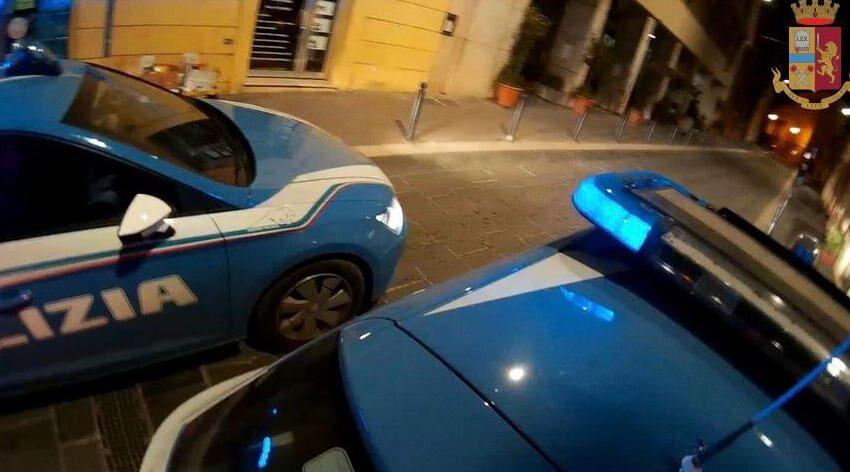Catania, picchia il marito davanti al figlio e lo manda in ospedale: arrestata