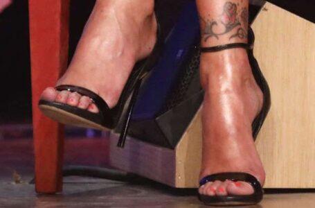 Polizia: ingresso negato per via di un tattoo al piede