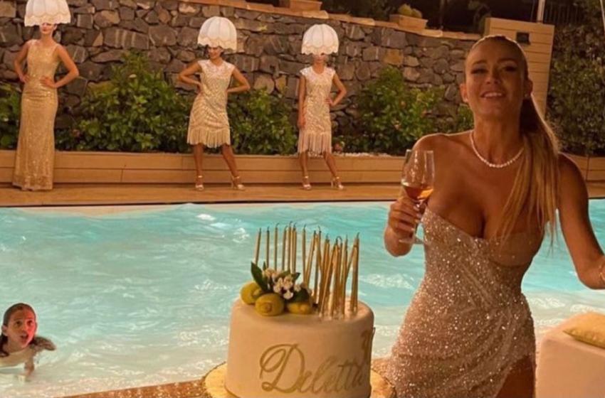 """Diletta Leotta nella bufera: """"Fa la morale ma al party porta le donne-lampadario"""""""